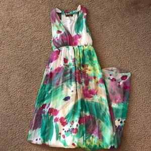Dresses & Skirts - Beautiful floral maxi dress